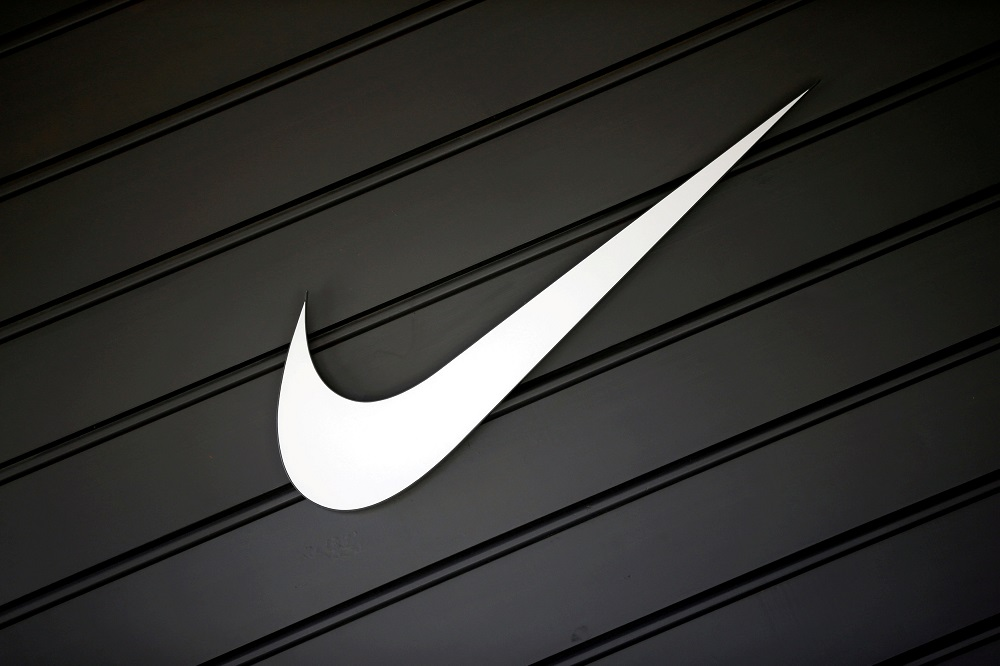 'Badge Looks Like A Fridge Magnet' 'It Looks Nice' Liverpool Fans on Twitter Discuss 'Leaked' Photos Of Nike's Home Kit